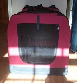 Foldable pet carrier/ transport crate