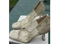 £5 REBECCA SANVER VINTAGE WEDDING SHOES SIZE 36 1/2 RRP £90 Worn once