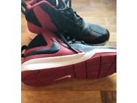 Nike Team Hustle D7, basketball shoes size 1. Only worn on court £5