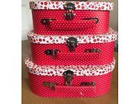 Set of 3 small storage boxes £5