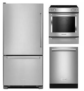 Kit 3 pièces cuisine KitchenAid en acier inox : Frigo 30'', cuisinière 30'' et lave-vaisselle 24''