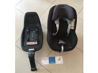 MAXI COSI 2-way pearl I-Size car seat and MAXI COSI 2-way ISOFIX Base