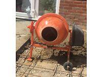 DIY Concrete Mixer - nearly new