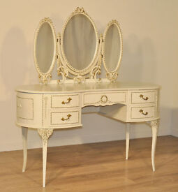 Attractive Vintage French Style White Painted Kidney Shape Dressing Table