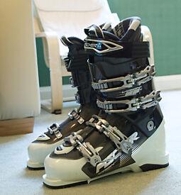 Fischer SOMA Viron 95 Ski Boots (size 26.5) + Snow & Rock Ski Boot Bag