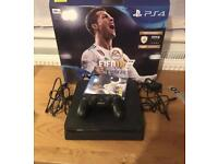 PS4 slim (500 gb) + 6 games