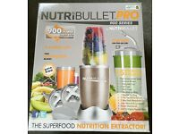 Nutri-bullet Pro champagne 900 - 15 piece set - New in box