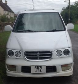 Nissan Largo Highway Star, 2.4 petrol, white 1998 model - spares/repairs or export vehicle