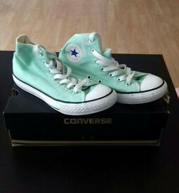 converse trainers UK size 2.5
