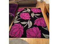 Large rug 160 x 230 cm Black with Purple flowers - very good condition