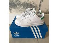 Adidas Stan Smith trainers jnr U.K.-11