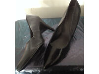 Black high heeled shoes size 11 ideal for drag, rocky horror, pride!