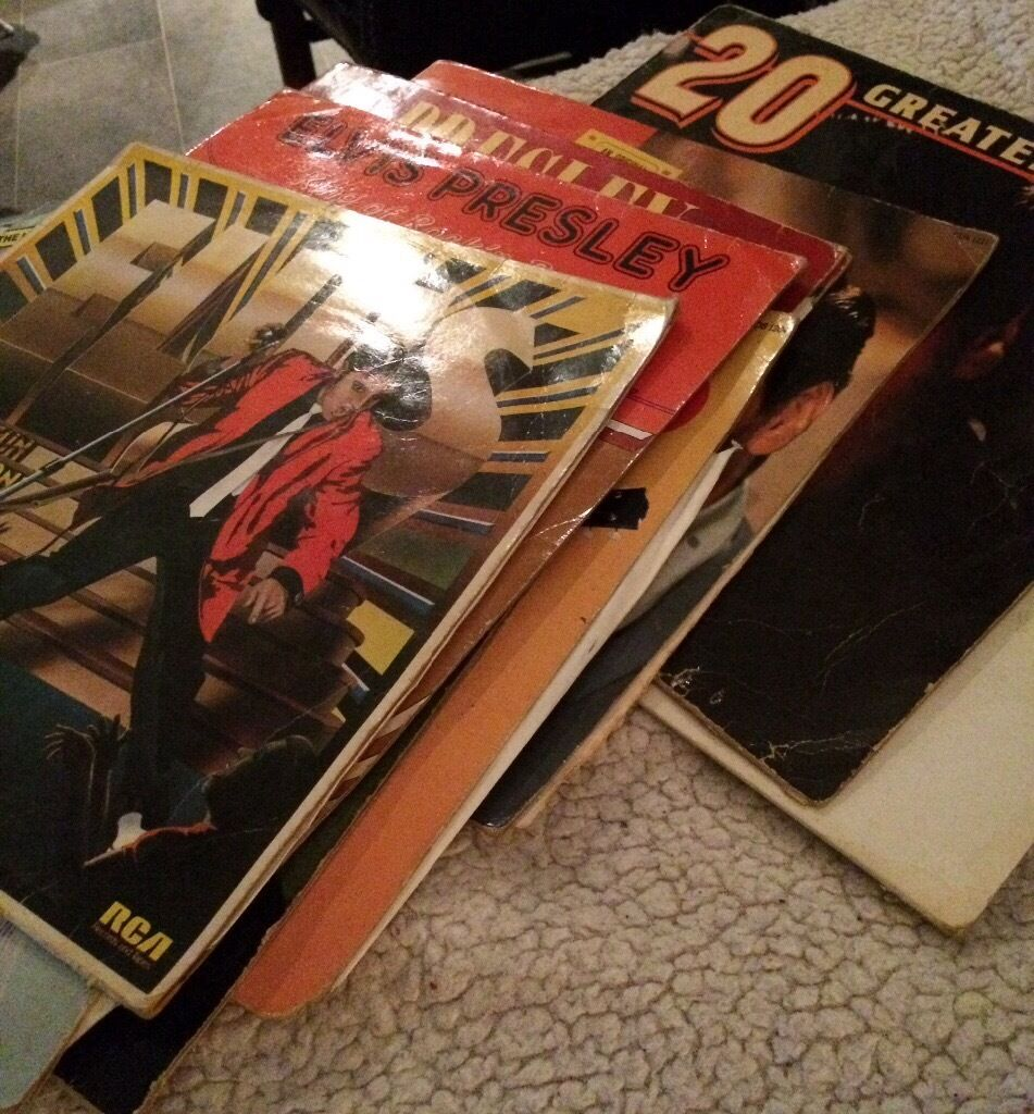 Excellent Elvis records for sale*