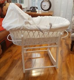Wicker crib moses basket with white stand