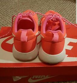 Girls nike trainers size 1.5