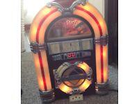 Steepletone retro mini jukebox