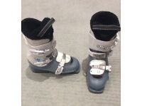 Immaculate Size 4 Kids Salomon 3T Ski Boots