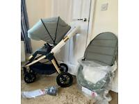 Gorgeous sage/bronze travel system. As new 💫