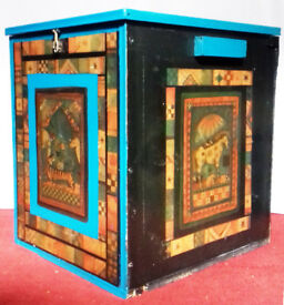 ANIMAL PICTURES DECOUPAGE CHEST, TRUNK,STORAGE.TOY BOX.TEAL,BLACK. VELVET LINING