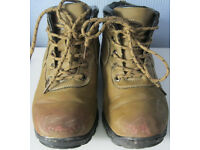 Hiking Boots, size 4
