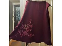 Purple Plum Skirt floral star pattern suede effect - size 18 excellent condition,