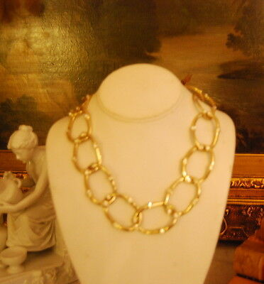 VINTAGE LARGE LIGHT GOLD TONED OVAL CHAIN LINKS WITH RHINESTONES NECKLACE