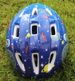 Halfords MoonMan Child Kids Cycle Safety Helmet