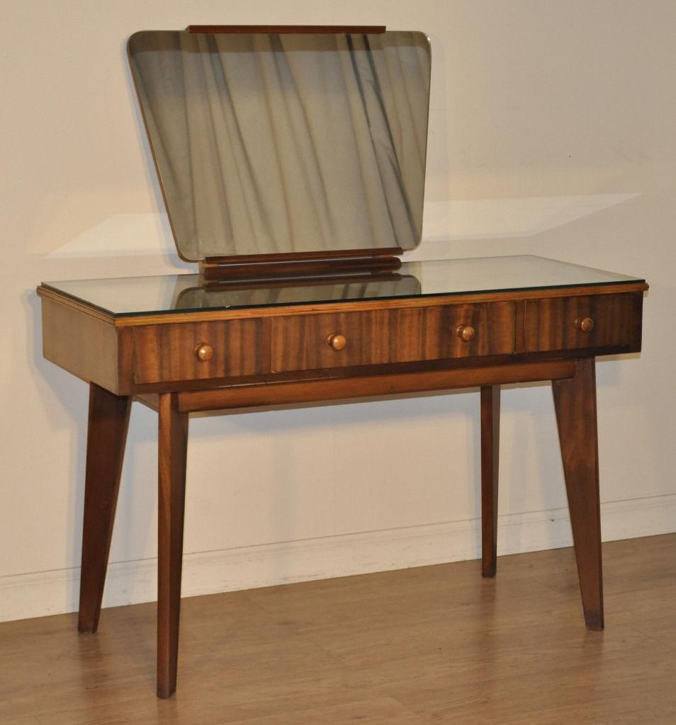Attractive retro walnut morris cumbrae dressing table for Retro dressing table