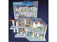 Large Playmobil Hospital 4404 Boxed and Complete with Figures & Accessories