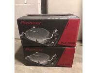 2 x Pioneer PLX-1000 Professional Direct Drive DJ Turntables