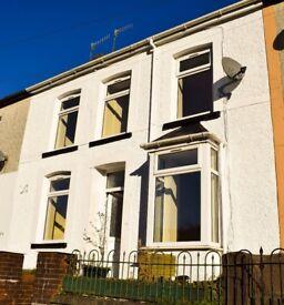 FOR Fantastic 3-bedroom house on St Albans road, Treherbert. £475 PCM.