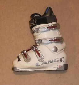S/H Lange CAL 70 Ladies Ski Boots Size 5 .5