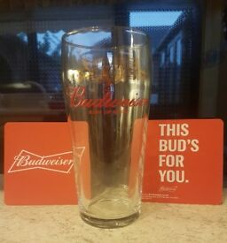 BRAND NEW BUDWEISER KING OF BEERS PINT DRINKS GLASS