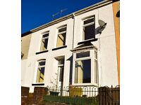 TO LET! A spacious, 3-bedroom house on St Albans Terrace, Treherbert. £450 PCM.