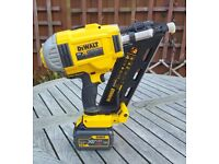 DEWALT DCN 692 NAIL GUN (AS NEW)