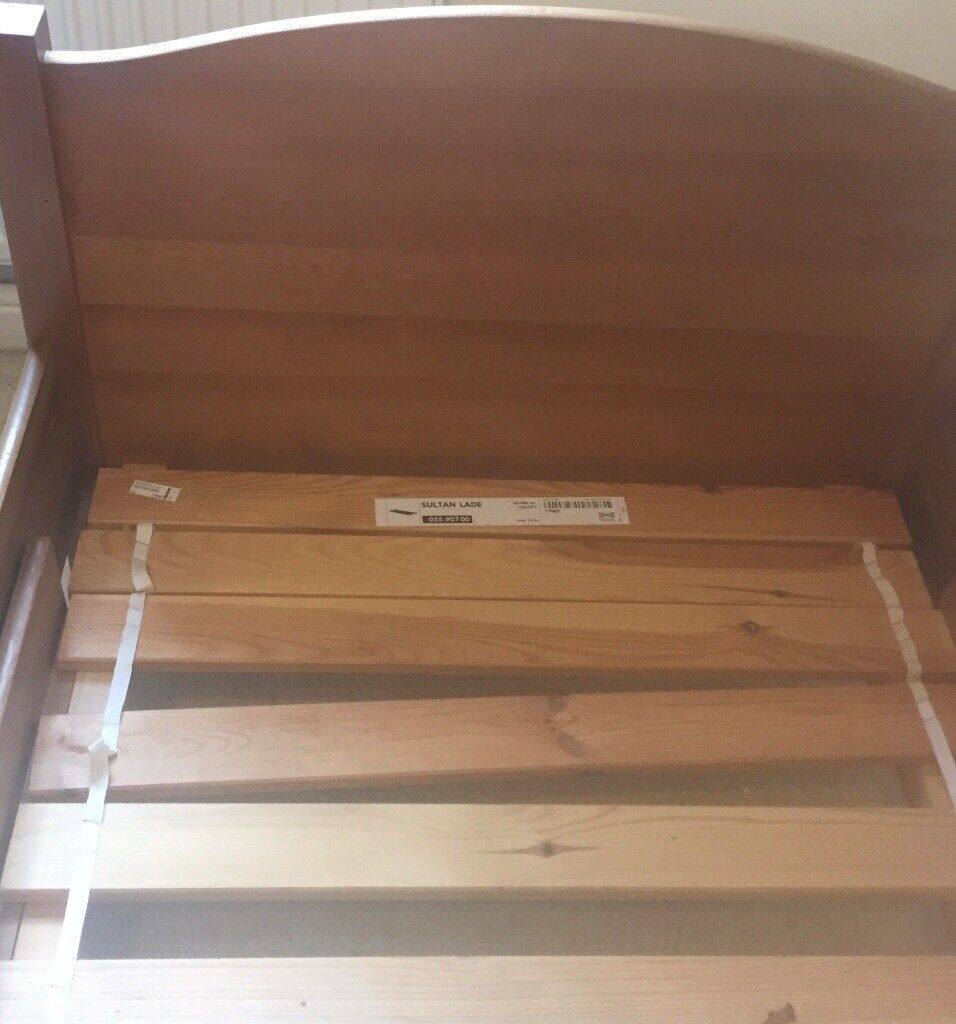 Childs extending single bed frame