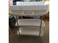 Lovely Mammas and Pappas baby changing unit