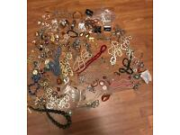 VINTAGE COSTUME JEWELLERY LOT, BROOCHES BANGLES NECKLACES, EARRINGS ETC. LOTS OF ITEMS