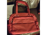"""Tucano Tasca Laptop Case / Ladies Bag All Laptop Notebook up to 15.4"""" MacBook Pro, red / maroon"""