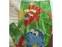 Child's dinosaur duvet cover and pillowcase set. £2.