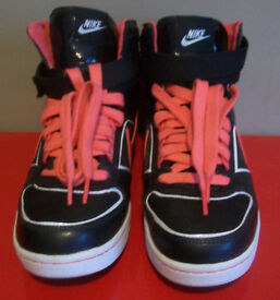 Nike Sneakers WMNS Delta Lite Mid