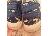 Clarks doodles halcy high toddler shoes size 5G