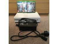 Xbox One 500Gb White - With three games