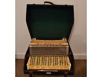 Beautiful Vintage Pietro Accordian 120 Bass 41 Key w/ Carry Case Made in Germany