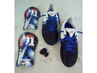 SONDICO FLAIR SG30 FOOTBALL BOOTS SIZE 6.5 & RYAN GIGGS SHINPADS