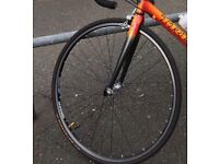 700c Road front wheel with 2 tyres and tube