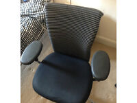 confortable office design chairs adjustable with arms Vitra GS