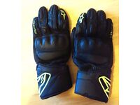 Postage Available *Alpinestars SP-8 *Motorcycle Gloves *Size S / M - RRP £69.99