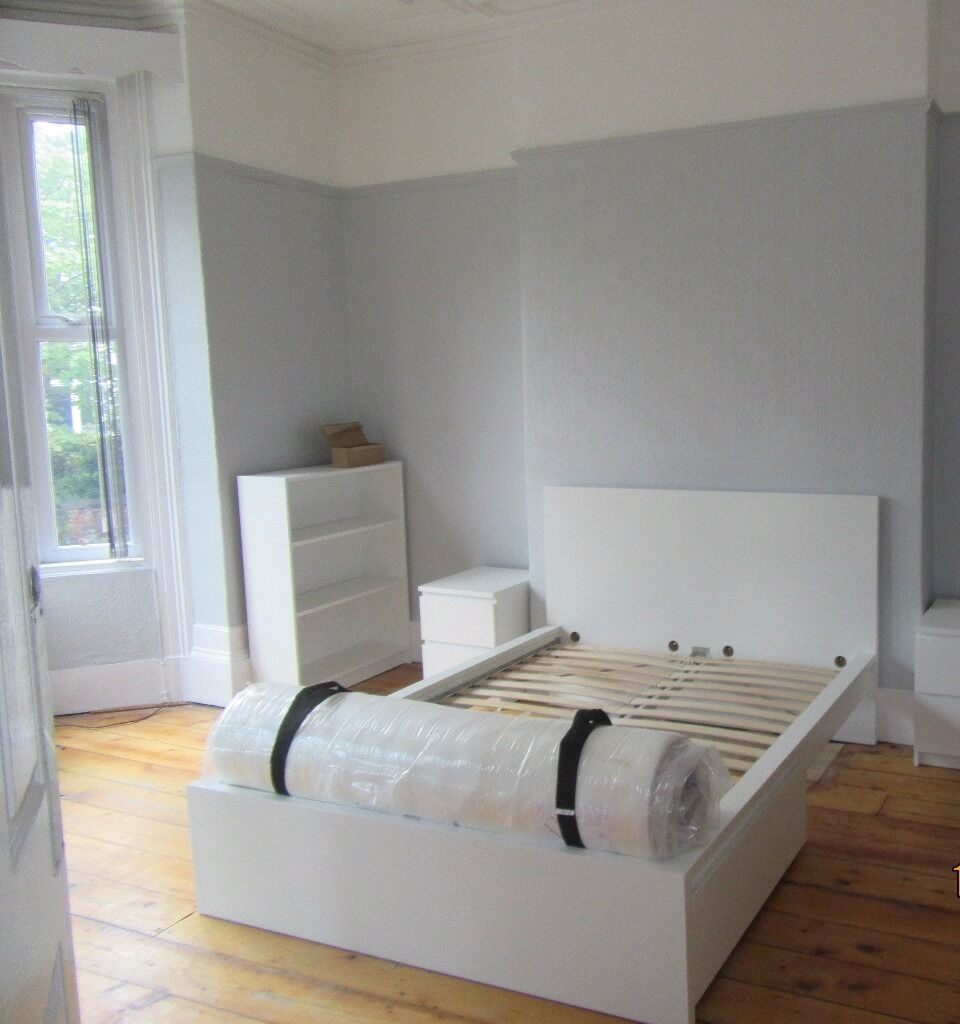 1st July 17 - 8 DOUBLE Bed 3 Bath House Clifton Ave Fallowfield Refurbished 2016 £455 x 8 No Fees!