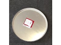Fluted Flan Tin 30cm with removable base.